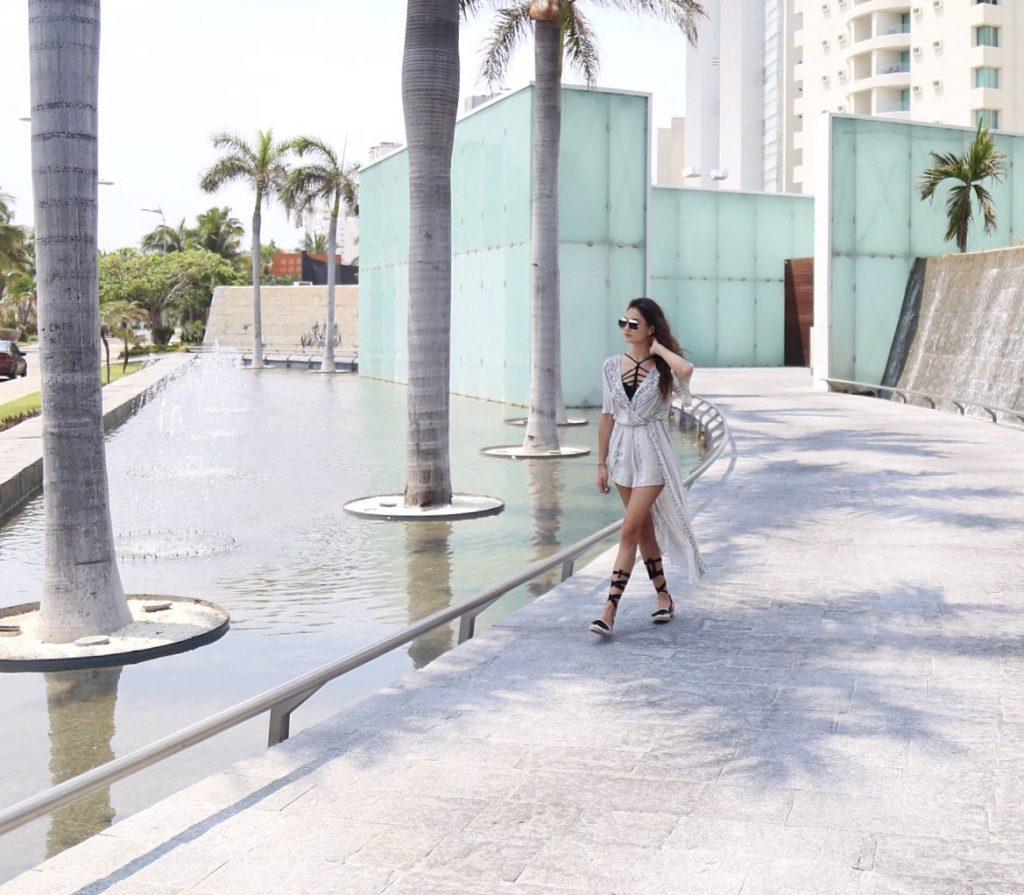 Acapulco- Maria Mina23
