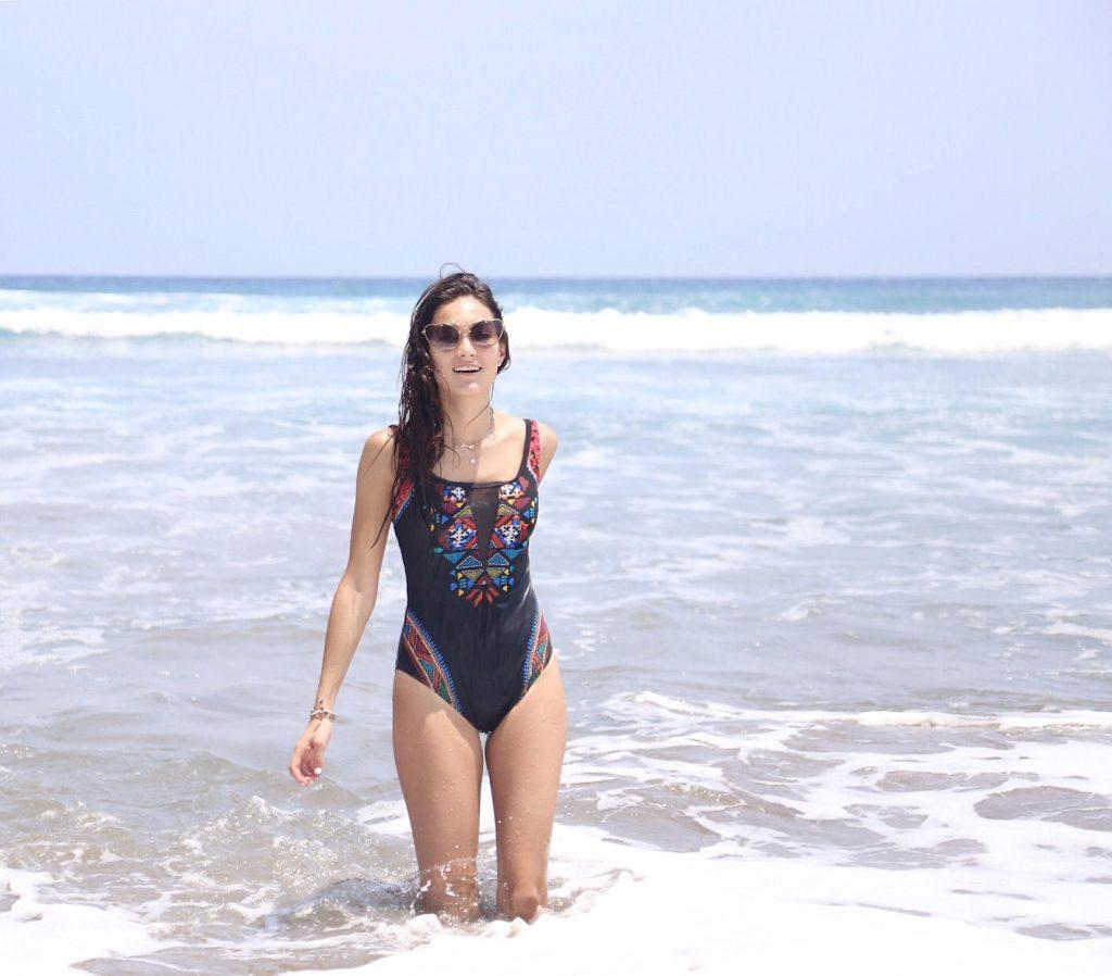 Acapulco- Maria Mina3
